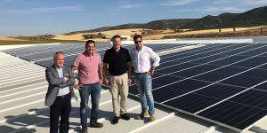 La Fábrica Municipal de Maderas de Cuenca estrena paneles solares que supondrán un ahorro de energía en torno al 25%