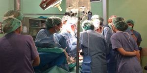 Las listas de espera sanitarias se han reducido en más de 19.000 pacientes en los últimos cuatro años