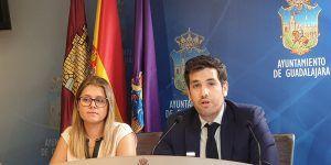 El PP denuncia que el Ayuntamiento de Guadalajara quitará 172.000 euros de ayudas sociales y fomento del empleo para aumentar el gasto en fiestas y arreglar el bar del Zoo