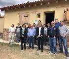 El taller de empleo de Landete ofrece una oportunidad laboral a una decena de personas y permitirá mejorar infraestructuras turísticas de la zona.