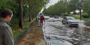 Las intensas lluvias caídas en Guadalajara provocan balsas de agua en calzadas, caídas de muros y varias viviendas inundadas