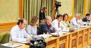 El PP en el Ayuntamiento de Cuenca lamenta que Dolz y Valero, dos figurantes del viaje a París, hayan ido sin ningún proyecto en la maleta