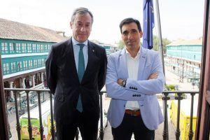Eurocaja Rural realiza una visita institucional al Ayuntamiento de Almagro