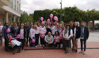 Mujeres en la calle contra el cáncer de mama en Cabanillas