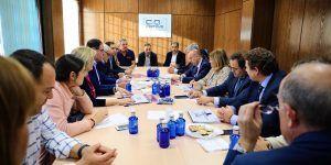 Núñez y Rodríguez se reunen con CEOE CEPYME Cuenca y empresarios de Tarancón (4)