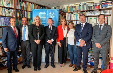 Page y Dolz presentan a la UNESCO la mejora de los accesos al Casco Antiguo de Cuenca