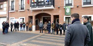 Alovera se une con un minuto de silencio en diversos puntos del municipio en el rechazo a la violencia de género