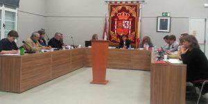 El Pleno del Ayuntamiento de Villanueva aprueba la adjudicación del contrato de suministro de energía eléctrica para los edificios municipales