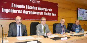 """El presidente de la Sociedad Española de Geriatría habla en la UCLM del peso de la industria agroalimentaria en el """"envejecimiento positivo"""""""
