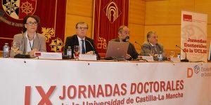 """El rector de la UCLM destaca la """"vitalidad"""" de la investigación que se realiza en la institución"""