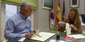La Diputación de Guadalajara refuerza el apoyo al Centro de la Vihuela de Sigüenza y a la conversión de la iglesia de Santiago como centro provincial de interpretación del Románico