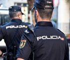 La Policía Nacional detiene a un varón que estaba amenazando de muerte a su esposa con un cuchillo de grandes dimensiones