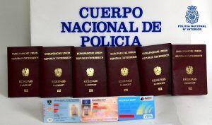 La Policía Nacional detiene en Guadalajara, a las puertas del Ferial Plaza, a una ciudadana extranjera con documentos de identidad falsificados