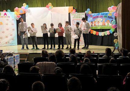 Los jóvenes miembros del Consejo Municipal de Cuenca protagonizan el acto del Día Universal de la Infancia