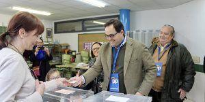 Núñez asegura que los vecinos de la región tenemos hoy en la mano decidir cómo queremos que sea la España del mañana y cómo se gestionan nuestros intereses