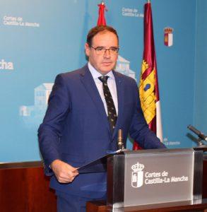 Prieto denuncia que los presupuestos regionales no recogen partidas para solucionar los problemas que atraviesa la educación pública en nuestra región