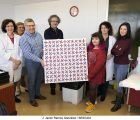 El Aula Hospitalaria de Guadalajara entrega a la Asociación de Donantes de Sangre un cuadro inspirado en la obra de Francisco Sobrino 'Movimiento Virtual'