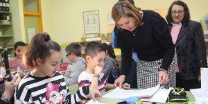 El programa Prepara-T inicia hoy su actividad lectiva con la incorporación de 350 docentes en otros tantos centros de la Comunidad Autónoma