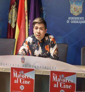 El Ayuntamiento de Guadalajara pone en marcha el programa de envejecimiento activo 'Mayores al cine'