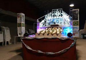 La reciclada carroza de los Reyes Magos de Alcocer creada con materiales procedentes de la basura de los hogares