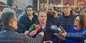 Comienza con muy buena aceptación la campaña de recogida de firmas en defensa de la Constitución Española organizada por el Grupo Popular en el Ayuntamiento de Guadalajara