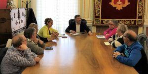 Dolz expone a la Directiva de Favecu las actuaciones que se van a ejecutar en los distintos barrios