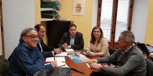 """El alcalde de Huete y representantes de ADIF lamentan la pérdida del proyecto """"Serranía en Vía"""""""