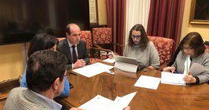 El Ayuntamiento de Guadalajara aborda cuestiones como la puesta en marcha de un sistema de acompañamiento a mujeres en los trámites de denuncia
