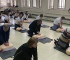 El delegado de la Junta en Guadalajara respalda la enseñanza de la reanimación cardiopulmonar entre el alumnado de los institutos para salvar vidas