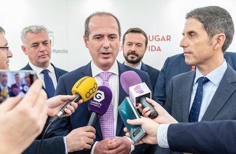 Guadalajara estrecha lazos turísticos y culturales con Alcalá gracias a la firma de un protocolo en FITUR
