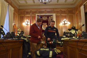"""La Diputación de Cuenca invierte 205.000 euros y pone al servicio de bomberos """"a la vanguardia"""" a nivel nacional en equipamiento"""