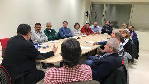 Olcina muestra su disposición a ordenar la actividad deportiva local contando con los clubes