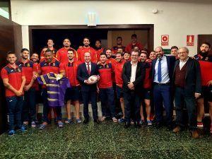 Alberto Rojo saluda a la Selección Española de Rugby que prepara en Guadalajara el próximo enfrentamiento del Campeonato Europeo