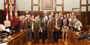 El Centro de Día de La Rosaleda visita la Diputación en la celebración de su 25 Aniversario