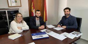El Gobierno regional entrega una vivienda pública en la localidad de Villaescusa de Haro