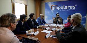 El PP-CLM exige a Page que reclame a Sánchez la devolución del dinero que adeuda el Gobierno central a los ayuntamientos