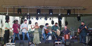 Rodrigo Cuevas y Zas! Candil Folk, agitación en las músicas de raíz en Estival Cuenca 2020