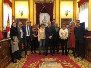 El Ayuntamiento de Guadalajara firma un convenio con 13 institutos de la ciudad para ayudar a escolares con problemas de convivencia