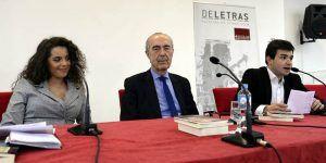 El escritor Luis Alberto de Cuenca afirma en la UCLM que las redes sociales han propiciado el renacer de la poesía