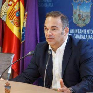El PP en el Ayuntamiento de Guadalajara propone medicalizar hoteles y replantear el presupuesto del Ayuntamiento para emplear los medios necesarios contra el COVID-19