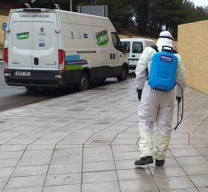 Equipos de baldeo y desinfección recorren Guadalajara para actuar en puntos de interés