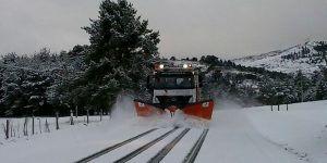 La Diputación de Cuenca tiene trabajando dos camiones quitanieves ante las nevadas de este viernes