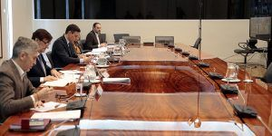 Sánchez traslada a los presidentes autonómicos que pedirá en el Congreso la prórroga de 15 días del estado de alarma
