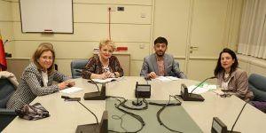 Torralba traslada el compromiso de PSOE para establecer una regulación específica que garantice el mantenimiento de las farmacias rurales