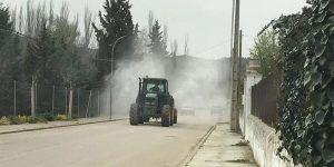 Trabajos de desinfección de calles y espacios de Huete y pedanías