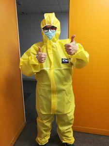 El Hospital Universitario recibe 40.000 mascarillas y 530 trajes de protección donados por BNI Guadalajara