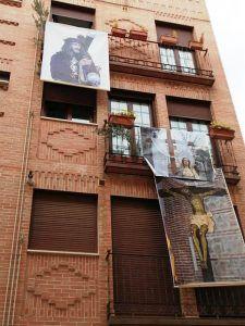 La Cofradía de la Pasión del Señor engalana Guadalajara con más de 225 pancartas de lona con sus tres imágenes