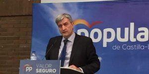 El BOP publica la subida de sueldo de Carrizo mientras éste aplaza el Pleno en el que el PP pedía que renunciara oficialmente al aumento