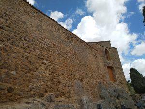 Finalizadas las obras de rehabilitación del lienzo sur de la muralla del Castillo de la Piedra Bermeja