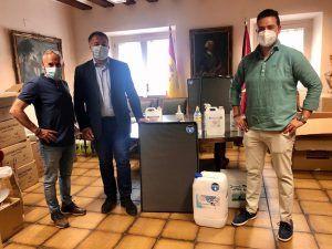El Ayuntamiento de Cuenca recibe una donación de material de desinfección frente a la Covid-19 de la empresa 'Soluciones Integrales Rayzar'